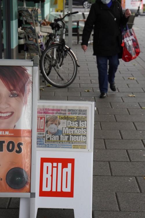 Bild-Zeitung. Lockdown-Gipfel. Das ist Merkels Plan für heute. Maske