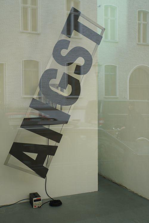 Angst. Kunst-Installation Berlin-Weekly.com