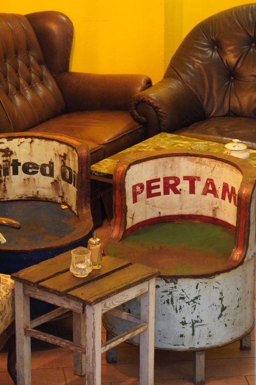 Pertam. Cafe geschlossen zum sitzen