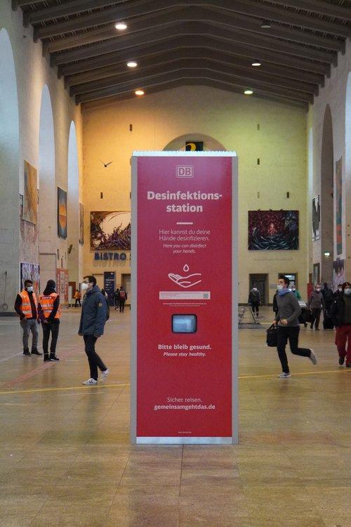 Hauptbahnhof Desinfektionsstation